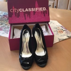 CityClassified Black Pumps NEW